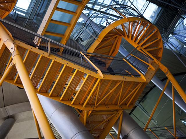 Escalier en métal pour bâtiment